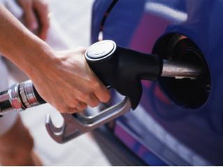 Все заправки подняли цены на все виды бензина и ДТ